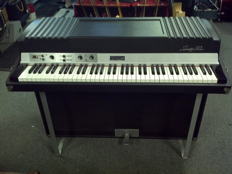 fender rhodes seventy three w amp 010454tbj keyboard george tsantis guitars. Black Bedroom Furniture Sets. Home Design Ideas